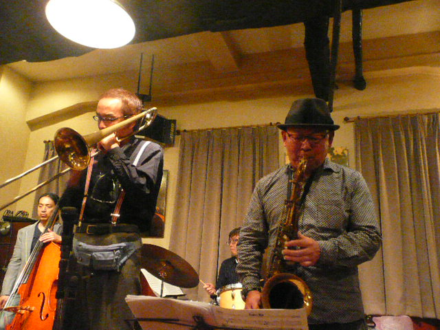 http://jazzclub-overseas.com/blog/jazz_club_overseas/1203P1100942.JPG