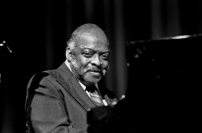Count_Basie_Hamburg_1974_(Heinrich_Klaffs_Collection_85).jpg