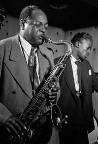 William Gottlieb - Coleman Hawkins and Miles Davis, 1947.jpg