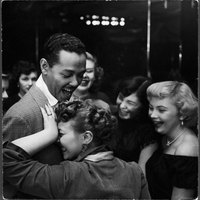 billy-eckstine-an-adoring-female-after-his-show-at-bop-city.jpg